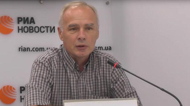 Политолог: Законом о реинтеграции Донбасса Порошенко ударит по политическим конкурентам