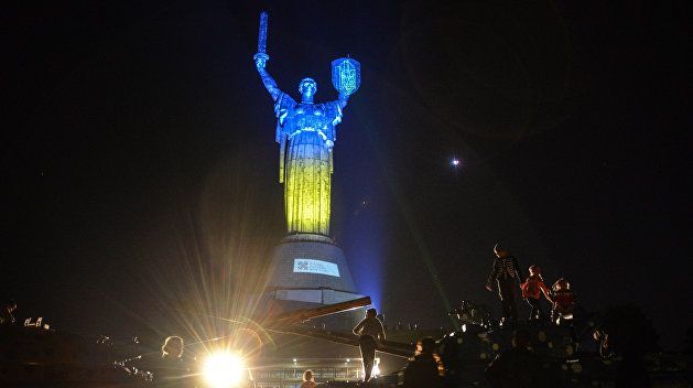 «Главный грабёж»: Украинский политолог объяснил, как режим Зеленского намерен окончательно разворовать страну