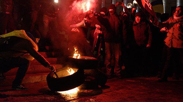 Пенсионный майдан в Бразилии: люди жгут покрышки и дерутся с полицией