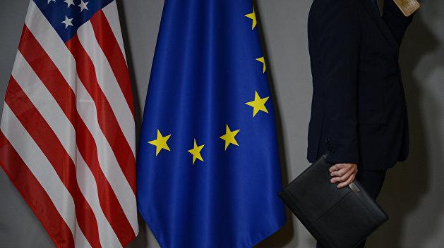 ЕС и США наблюдают за Саакашвили со стороны