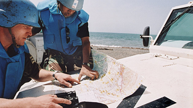 Президент Порошенко против введения миротворцев