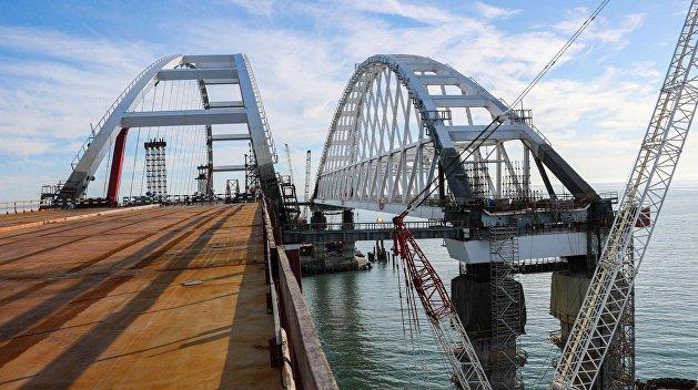 Радикалы хотят заблокировать движение по Крымскому мосту