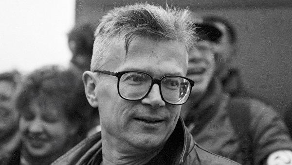 Автопортреты на фоне эпохи: К юбилею Эдуарда Лимонова