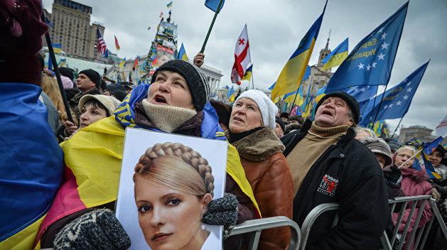 Решмедилова: Тимошенко ищет тех, кто мог бы в ее поддержку сняться с выборов