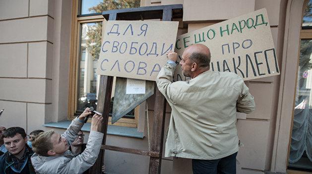 Разговор по душам: Союз журналистов Украины вызвал Нацсовет по ТВ потолковать о свободе слова