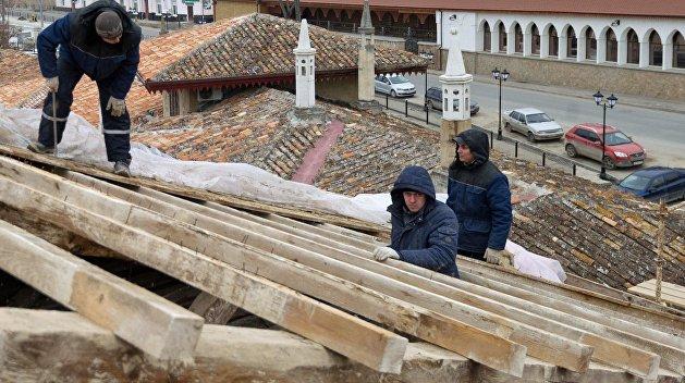 Общественник: Украина довела Ханский дворец до плачевного состояния