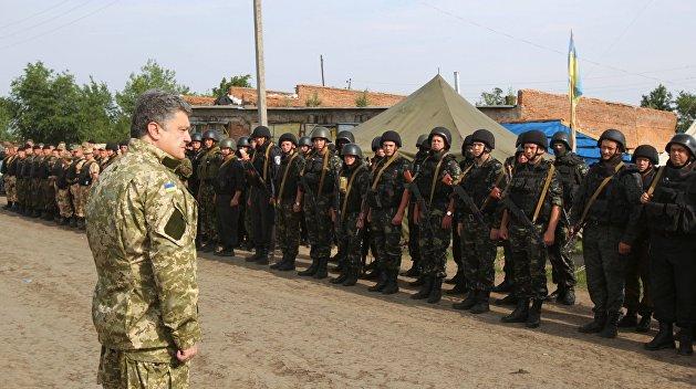 Военное положение: Верховная Рада помогает Порошенко стать полноценным диктатором
