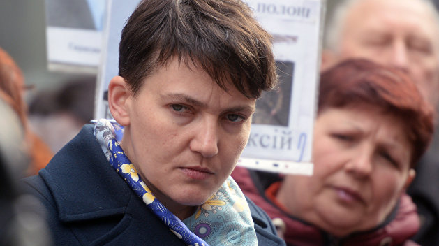 Автомобиль Савченко сбил пожилую женщину