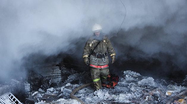 Около станции метро «Левобережная» в Киеве произошел пожар