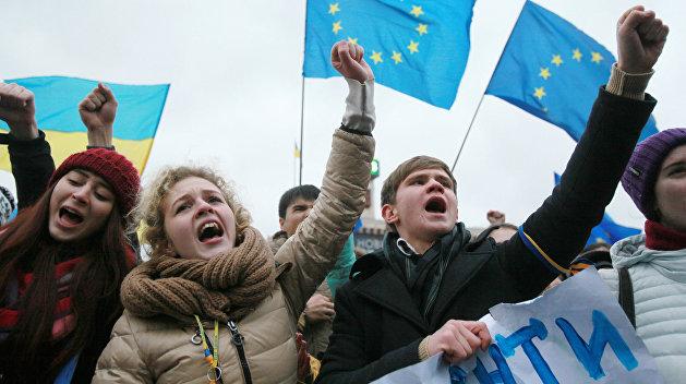 Когда цель окровавливает средства. Кого и зачем поддерживает Запад на Украине?