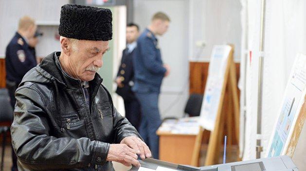 Бойкот провалился: крымские татары активно голосуют на президентских выборах