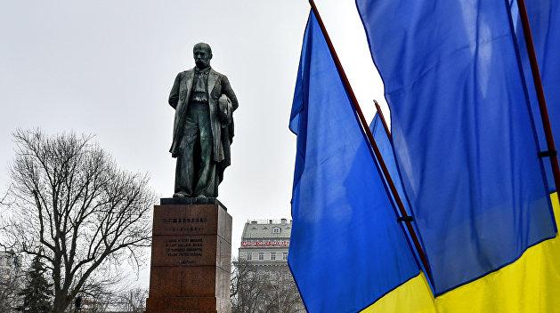 На место Ленина на Бессарабке претендует Кобзарь в вышиванке