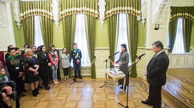 Порошенко выразил соболезнования родным погибших в Кемерово