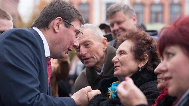 Самопиар вышел Луценко боком: генпрокурора ждут в суде