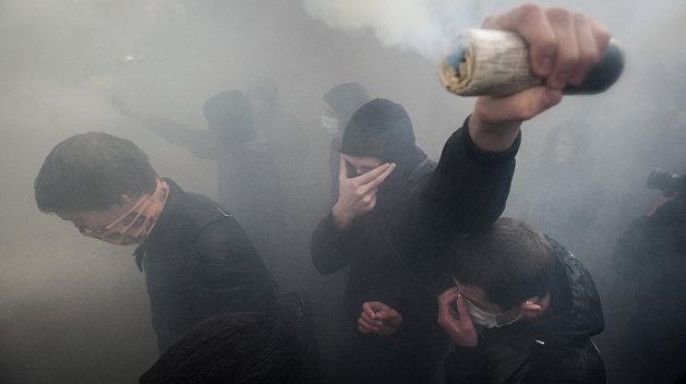 Радикалы не дали выступить Потапу и Насте в Хмельницком, залив клуб кровью