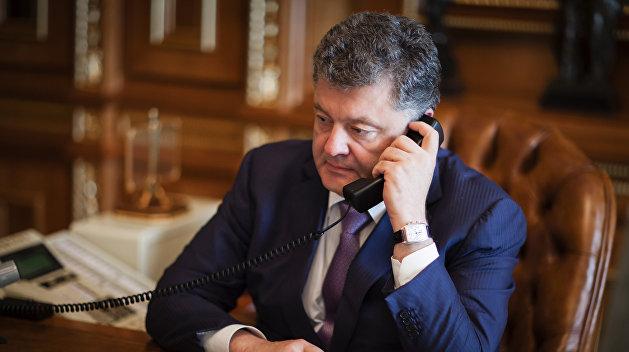 Макрон и Порошенко обсудили ситуацию в Донбассе