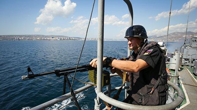 Корабли Черноморского флота подавили огневые точки противника и высадили десант морских пехотинцев