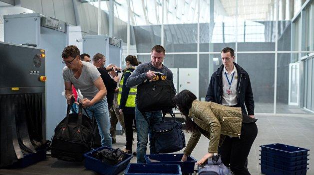 Новый аэропорт Симферополя принял первых пассажиров