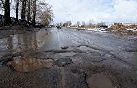 Вместе со старой властью пропали и дороги. Трассы Украины стали испытанием для водителей