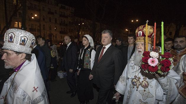 Менее 25% украинцев поддерживают создание поместной церкви Порошенко
