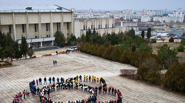 Студенты Севастополя: Не уехали на Украину, нам здесь лучше — видеоопрос