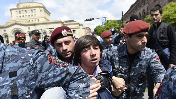 Большая энергетическая война: Что общего у протестов в Ереване и киевского Майдана