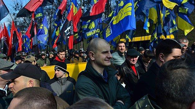 Лидер неонацистов Карась призвал сторонников протестовать против следствия по делу Бузины