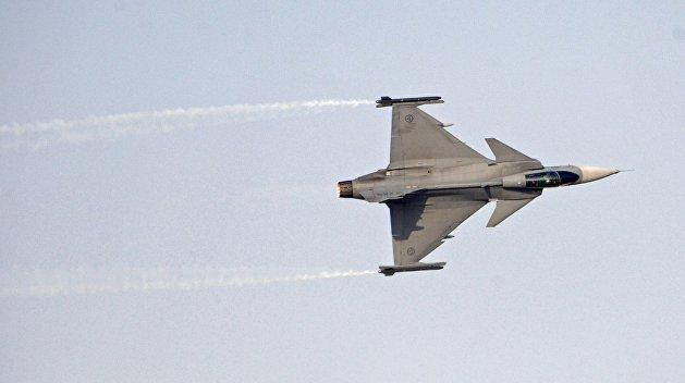 Венгерские истребители подняли в воздух для атаки украинского самолета