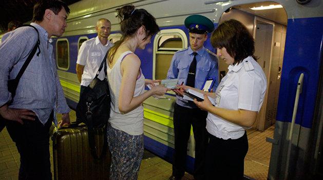 Железнодорожное сообщение между Россией и Украиной остается