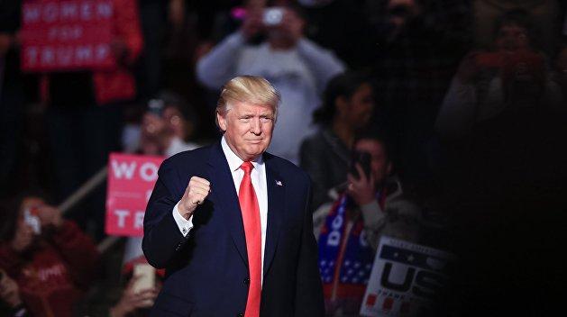 Штаб Трампа анонсировал отмену 70% указов Обамы