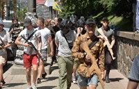 «Храбрецы»: Националисты отомстили покойному разведчику вандализмом