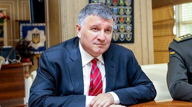 Аваков: Украина увеличивает военное присутствие в Приазовье