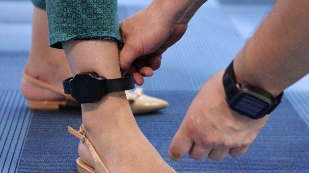 На Украине не хватает электронных браслетов для заключенных