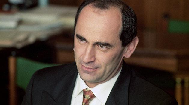 Экс-президента Армении Кочаряна вернули под стражу