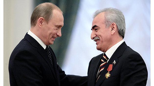Друг Путина везет греческий клуб с украинскими элементами на войну в Москву