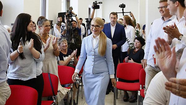 С пятого на второе: Порошенко продвинулся в начало списка кандидатов в президенты