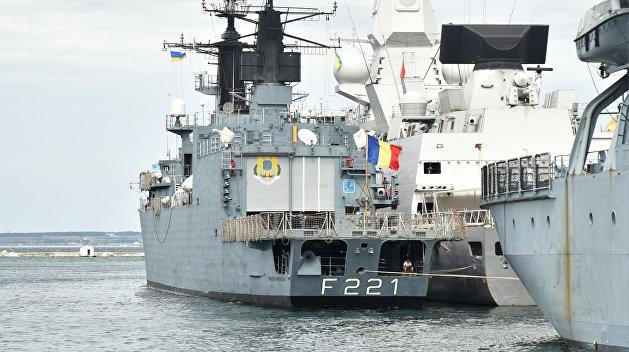 Эксперт: Корабли НАТО могут сопровождать украинские суда в Азовском море. Но сделать это им никто не даст