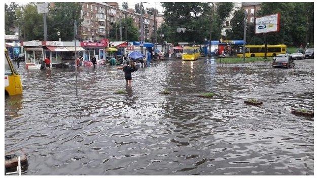 Настоящие контрасты: Украина разделится на солнечные области и зоны проливных дождей