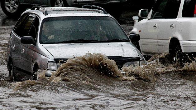 Улицы-реки: ливень в Харькове побил рекорд за всю историю метеонаблюдений