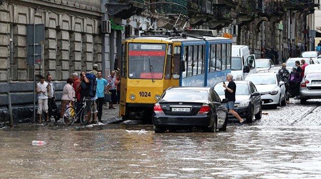 Украину предупредили о грозах, граде и паводках