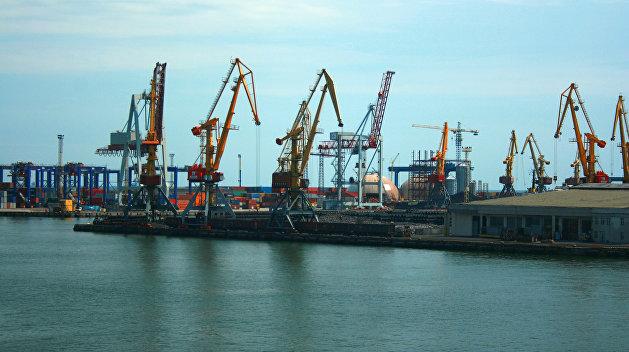 В порт Одессы вошел корабль ВМС Франции