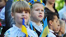 «К спиванию гимна должна прилагаться пятнадцатиминутка политинформации»: соцсети о нововведениях киевских властей