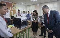 Порошенко гордится украинским образованием, но его дети учатся за рубежом