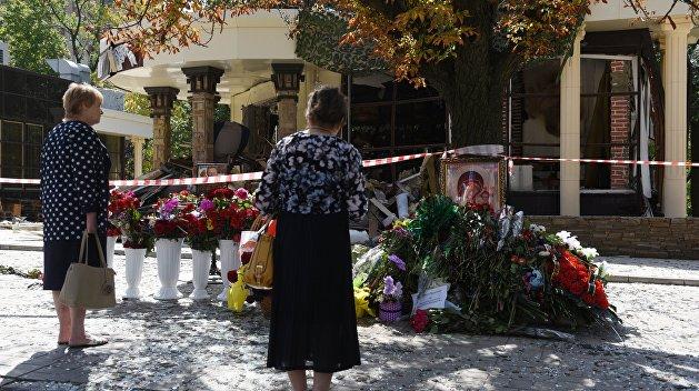 Члены правительства ДНР почтили память первого главы республики во вторую годовщину его гибели