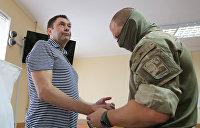 Суд в Херсоне продлил пытки журналиста Вышинского