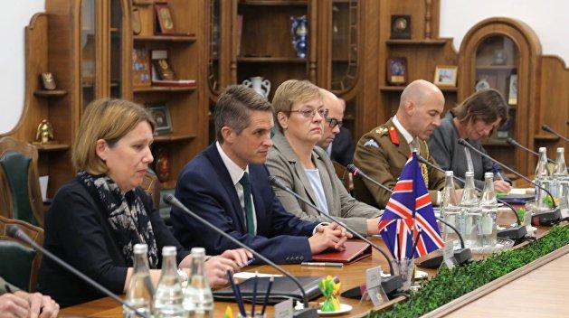 Госсекретарь по вопросам обороны Великобритании посетит Донбасс