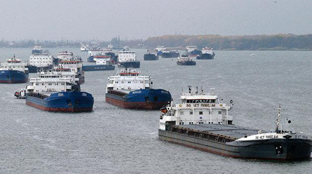 Эксперт: И Россия, и Украина имеют право на бесконечные проверки судов в Азовском море