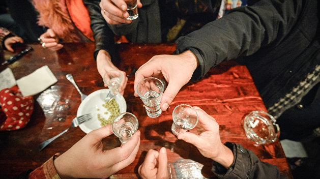 Лучше меньше, да лучше: Украинцы больше не могут позволить себе качественный алкоголь