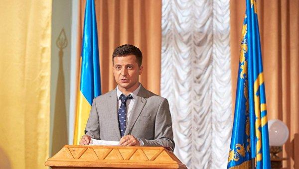 Фейк вместо политики: Поучительный феномен Вакарчука и Зеленского