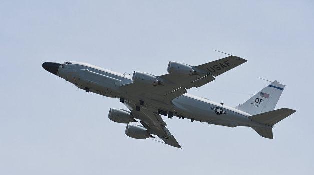 Американский самолет-разведчик проследил за выходом кораблей ВМС Украины в Азовское море